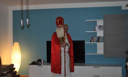 Bild vom Nikolaus im Kinderheim